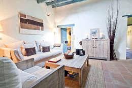 Sala de estar  por Home Deco Decoración