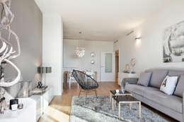 Livings de estilo moderno por Home Deco Decoración