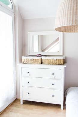 Mieszkanie na poddaszu 85m2: styl , w kategorii Sypialnia zaprojektowany przez Meblościanka Studio