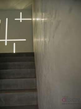 moderne Gang, hal & trappenhuis door kabeDesign kasia białobłocka
