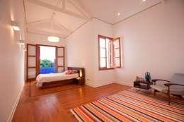 غرفة نوم تنفيذ Ana Sawaia Arquitetura