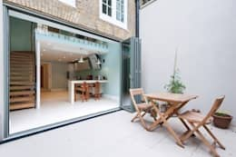 Early Victorian Townhouse: modern Garden by Corebuild