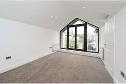 modern Bedroom by Corebuild