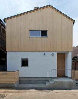 「高円寺の家」外観: 株式会社松井郁夫建築設計事務所が手掛けた家です。