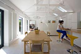 NRAP Architects: iskandinav tarz tarz Yemek Odası