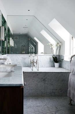 Bathroom 2 : modern Bathroom by Studio Duggan