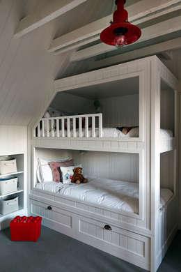 modern Nursery/kid's room by Studio Duggan