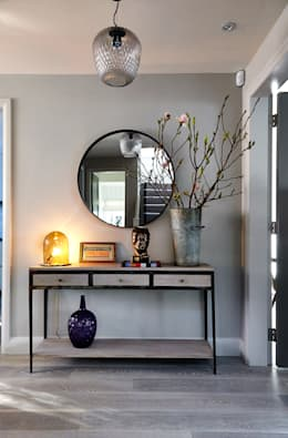 Hallway Console Table : modern Corridor, hallway & stairs by Studio Duggan