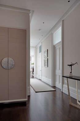 Hallway : modern Corridor, hallway & stairs by Studio Duggan