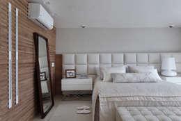 modern Bedroom by Leila Dionizios Arquitetura e Luminotécnica