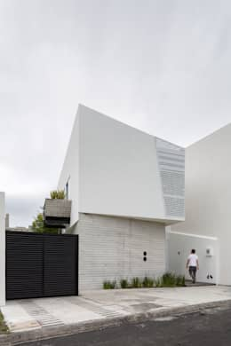 minimalistic Houses by Taller ADC Architecture Office