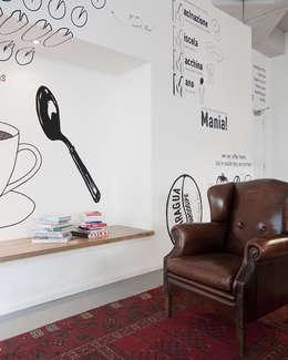 Zitnis :  Bars & clubs door ontwerpplek, interieurarchitectuur