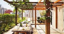 Terrazas de estilo  por SAO Arquitetura