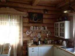 Усадьба под Волоколамском в традиционном стиле: Кухни в . Автор – Бюро Акимова и Топорова