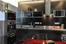 Частный интерьер, 2005 г.: Кухни в . Автор – Бюро Акимова и Топорова