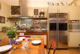 Cocinas de estilo moderno por Filippo Fassio Architetto