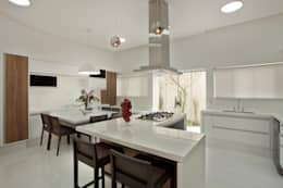 I migliori sgabelli in legno per sala e cucina for Cucina in stile ranch