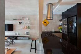 Cocinas de estilo industrial por Studio ro+ca