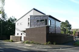 Casas de estilo moderno por MWE Architects