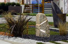 Jardín de estilo  por Essenze di Luce