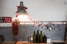 Duplex sur cour pour amateur de curiosité: Cuisine de style de style Industriel par Jean-Bastien Lagrange + Interior Design