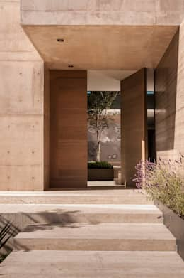 modern Windows & doors by Gantous Arquitectos