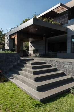 Casas de estilo moderno por Gantous Arquitectos