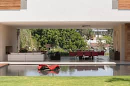 Casa SJ: Salas de estilo moderno por Gantous Arquitectos