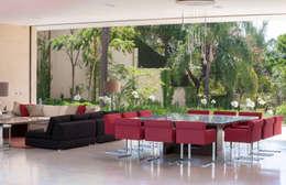 Casa SJ: Comedores de estilo moderno por Gantous Arquitectos