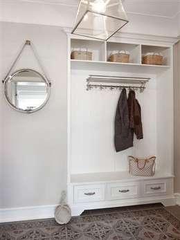 Apartament na Mazurach: styl , w kategorii Korytarz, przedpokój zaprojektowany przez BBHome Design