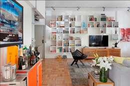 Projekty,  Salon zaprojektowane przez Barbara Filgueiras arquitetura