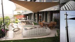 Giardino in stile in stile Mediterraneo di Valerie Barth Interior Designer