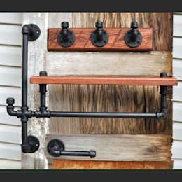 Вешалки для одежды из водопроводных труб: Прихожая, коридор и лестницы в . Автор – Home Loft Studio