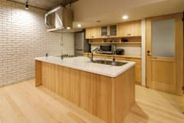 Projekty,  Kuchnia zaprojektowane przez 株式会社 アポロ計画 リノベエステイト事業部