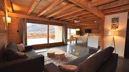 modern Living room by Alessandro Rovagna
