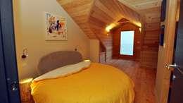 modern Bedroom by Alessandro Rovagna