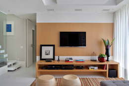 Salas / recibidores de estilo moderno por Cadore Arquitetura
