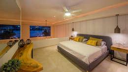 modern Bedroom by DECO designers