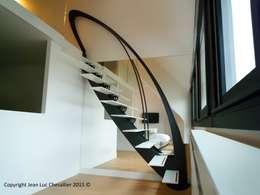 Ingresso, Corridoio & Scale in stile in stile Eclettico di La Stylique