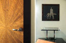 Puertas y ventanas de estilo clásico por Pracownia Projektowa Pe2