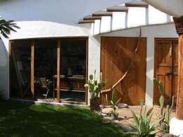 Estudio : Estudios y oficinas de estilo mediterraneo por Cenquizqui