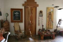 Entrada de Domitorio Prncipal: Puertas y ventanas de estilo rústico por Cenquizqui