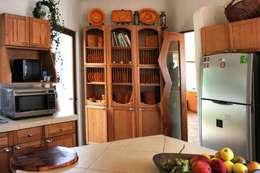 rustic Kitchen by Cenquizqui