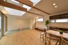 ห้องนั่งเล่น by アトリエdoor一級建築士事務所