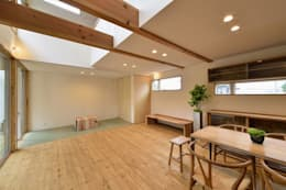 Phòng khách by アトリエdoor一級建築士事務所