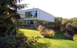 modern Houses by Architekt Zoran Bodrozic