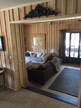 Le salon: Salon de style de style eclectique par Concept Home Setting