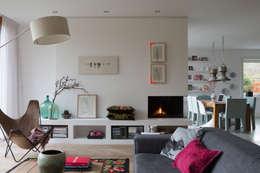 leefruimte: moderne Woonkamer door Boks architectuur