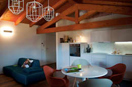 Salas / recibidores de estilo moderno por Perla Arredamenti