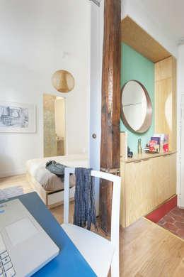 deux pièces: Bureau de style de style Moderne par goodnova godiniaux